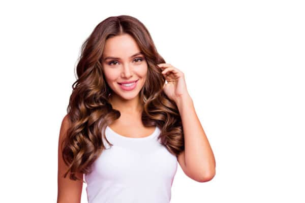 Brunettes Model mit Softclick Extensions